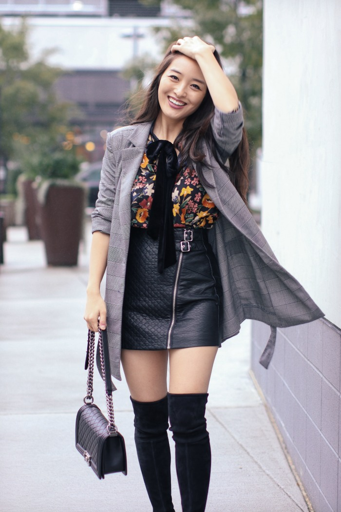 Chic Faux Leather Mini Skirt