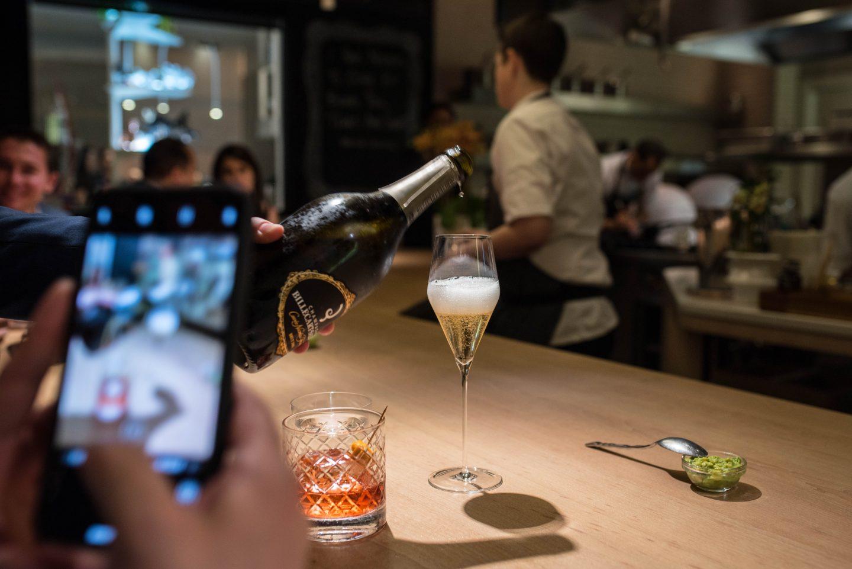 champagne minibar