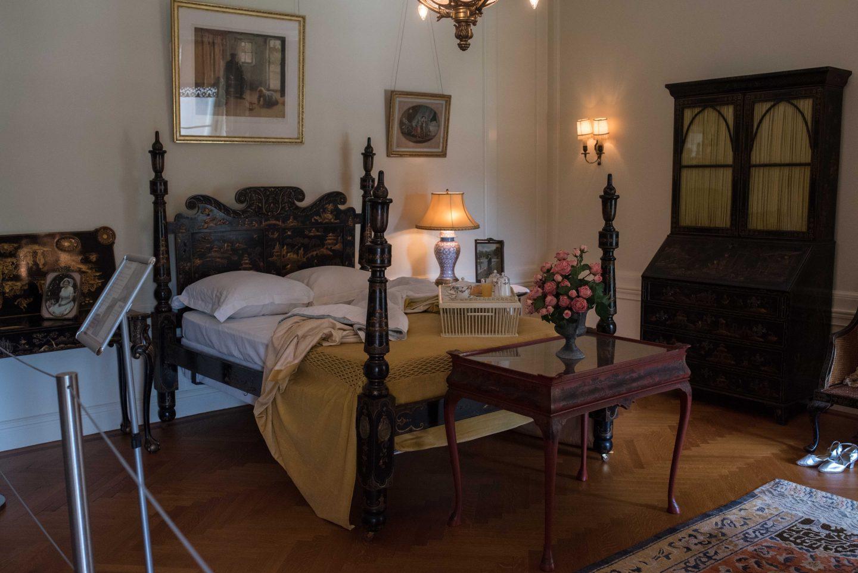 Nemours Estate guest room