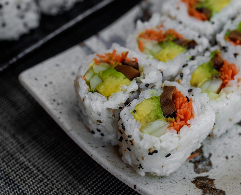 mushroom roll sushi hachi