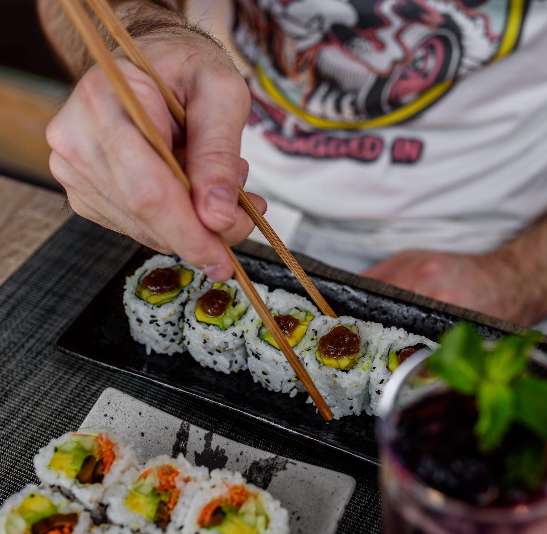 vegetarian rolls sushi hachi